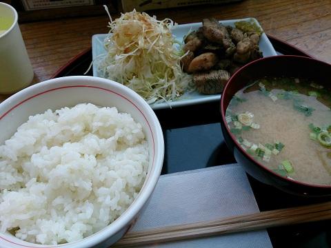 新宿みやざき館KONNE(こんね)・鶏炭火焼定食